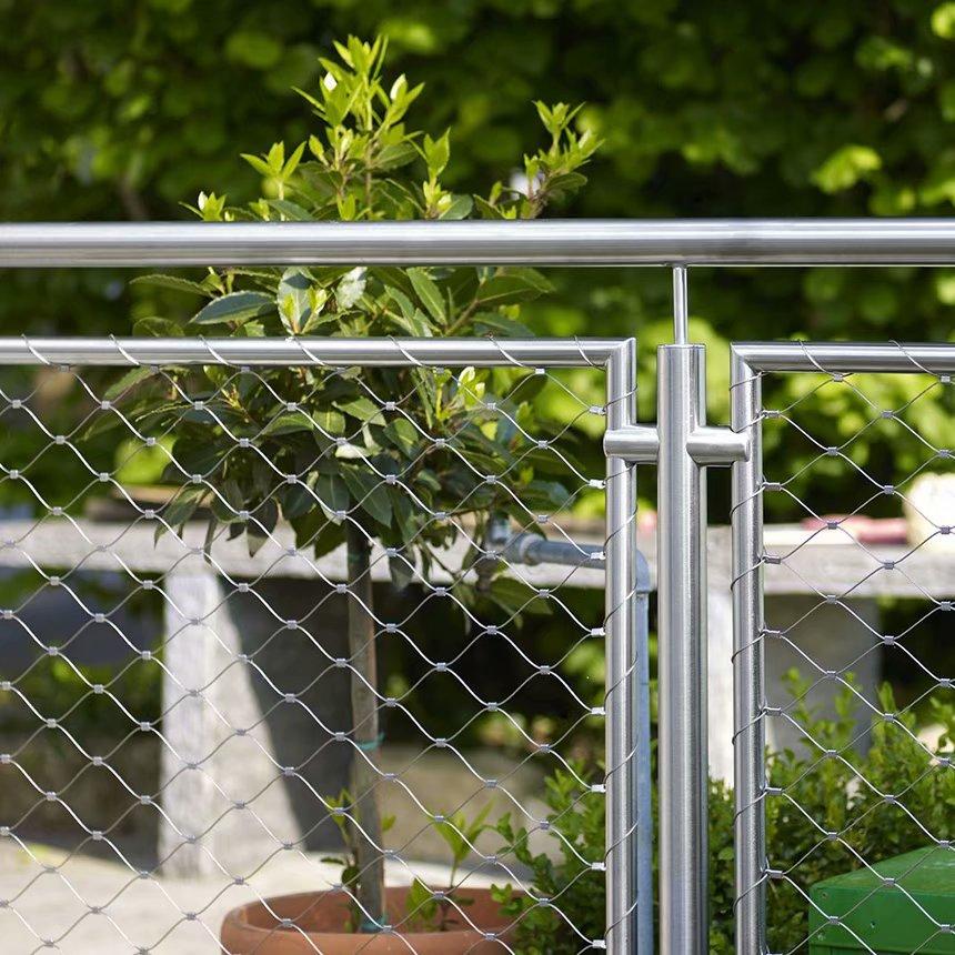 楼梯扶手防护网在广州安装